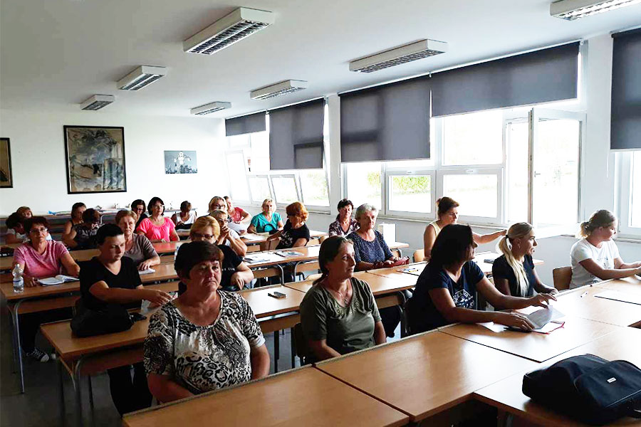 [Zaželi] Zaposlenice projekta krenule s pohađanjem edukacije za gerontodomaćice